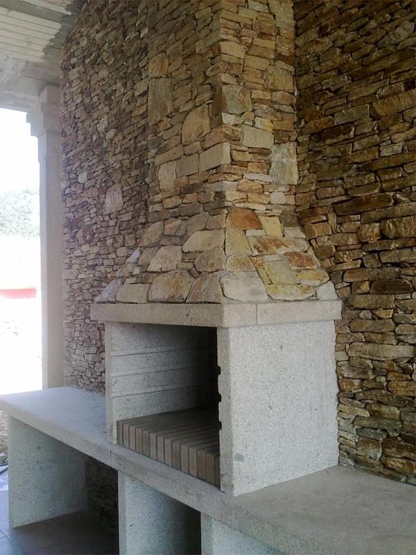 Chimeneas y barbacoas for Granito en piedra